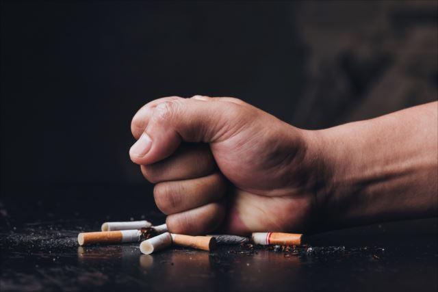 吸い方や成分は?通常のタバコと電子タバコの違いについて